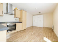 Lovely studio flat in Ilford available now bills included
