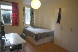 2 Amazing Double Rooms in the Same Flat to Rent in Modern Flat