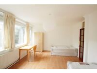 MASSIVE BEAUTIFUL TWIN ROOM TO RENT IN STOCKWELL CLOSE TO THE TUBE STATION. 47D