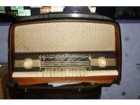 Orion AR612 valve radio set.