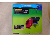 Halfords Kettle BBQ. 34cm diameter. New, unused and boxed