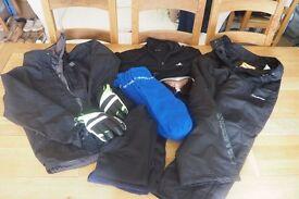 Childs (Age 10-12) Ski Clothing inc salopettes, ski bottoms,goggles, base layer's etc