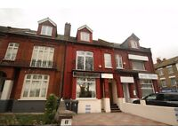 Furnished 3/4 Bedroom Top Floor Flat With Kitchen/Dinner On 2 Levels By Turnpike Lane Piccadilly