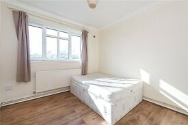 3 GREAT BEDROOMS, LARGE LIVING ROOM AND BALCONY! CLOSE TO CLAPHAM SOUTH!
