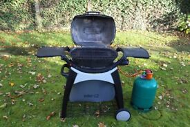 Weber Q2200 Gas Barbeque with Permanent Cart, BBQ Cover and 13 kg Gas Bottle