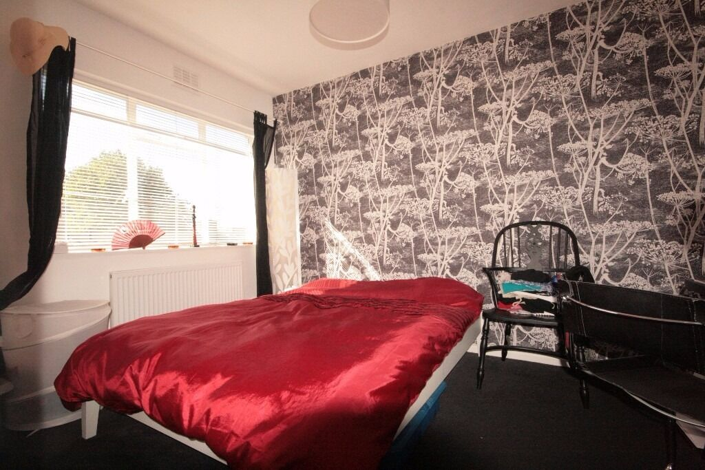 A great 3 Bedroom Apartment - Brixton