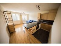 1 Double Bed Flat by Kilburn tube with communal garden