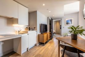 1 bedroom flat in White Church Lane, London E1