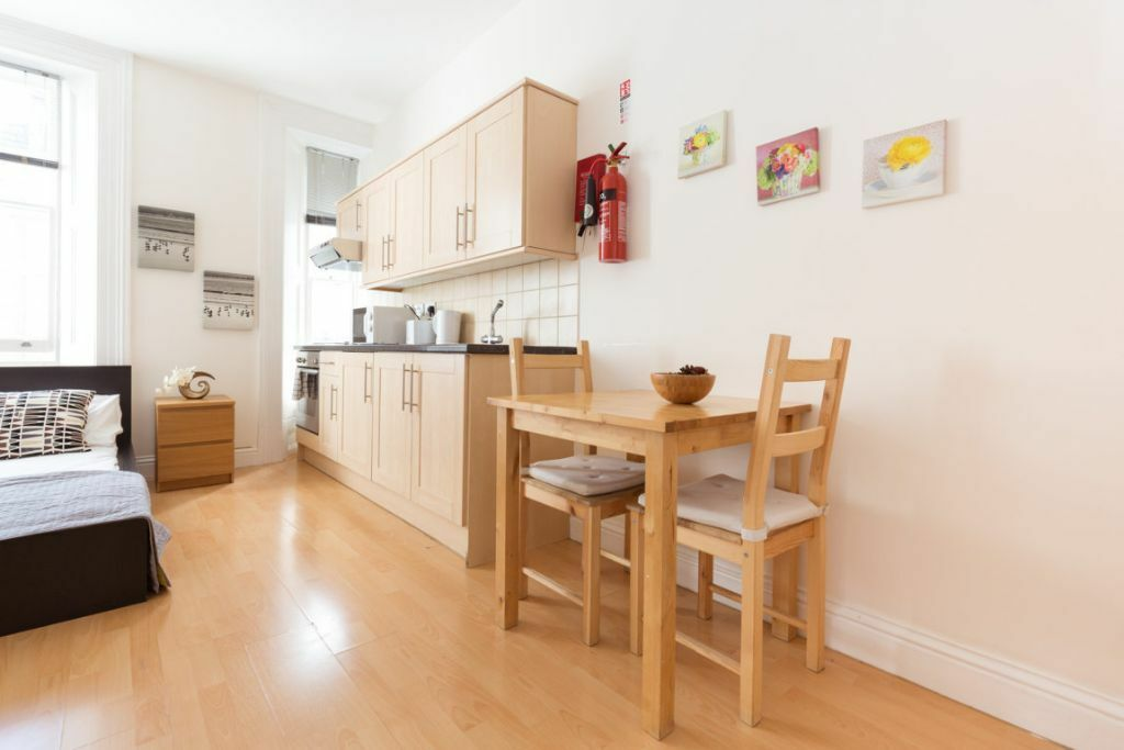 GREAT STUDIO APARTMENT WITH WIFI AND TV***ALL BILLS**SOUTH KENSINGTON***