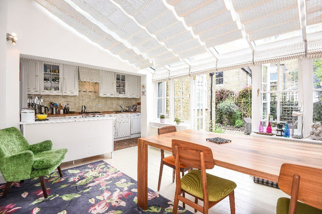 Charming two bedroom garden flat located on Hestercombe Avenue, SW6.