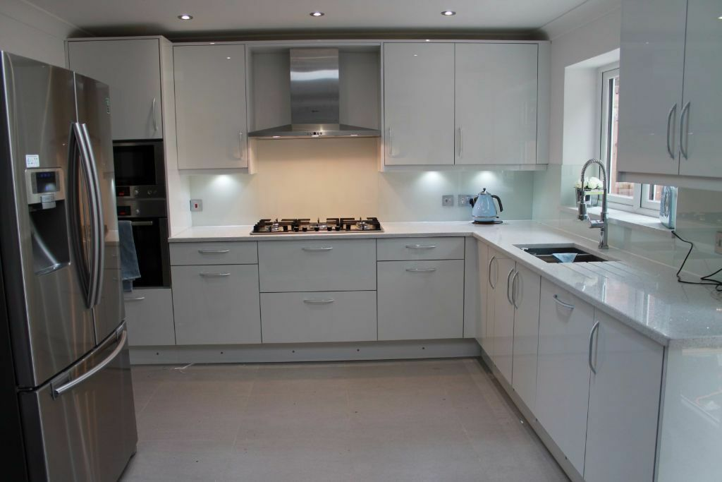 Fitted kitchens fitted bedroom fitted wardrobes kitchen for Fitted kitchens