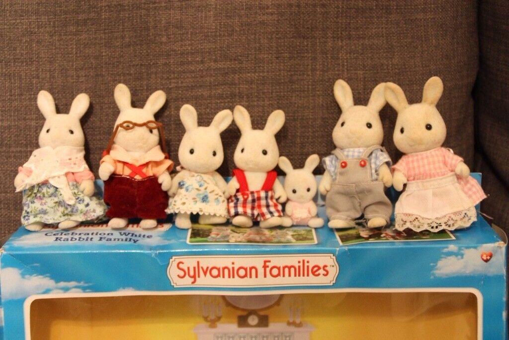 Sylvanian Families White Rabbit Family