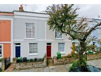 SUPERB 2 DOUBLE BEDROOM GARDEN FLAT LOCATED ON ONE OF KENTISH TOWN'S SOUGHT AFTER STREETS! NW5