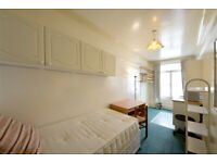 Self-contained studio flat on Collingham road, SW5, £190pw