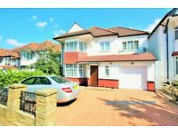 5 bedroom house in Greyhound Hill, Hendon, NW4