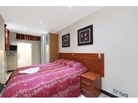 3 bedroom flat for Gloucester place