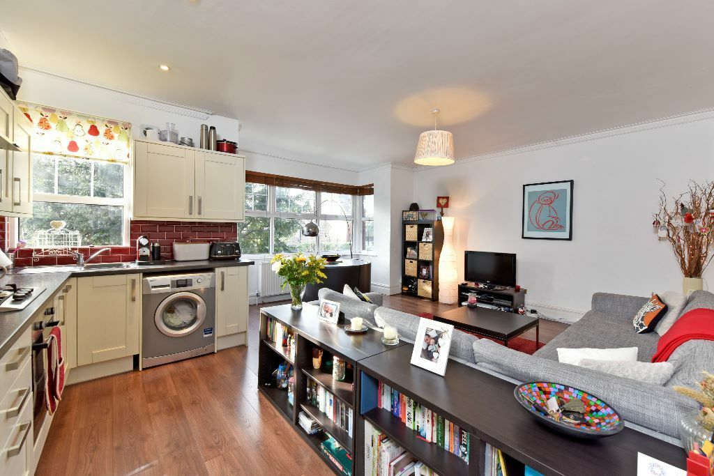 Exceptional Period Conversion With Private Balcony, Moments From Streatham BR Station.