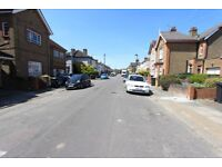Spacious 2 bed flat in enfield ready to let near shops, schools, + A10 + M25 + A406
