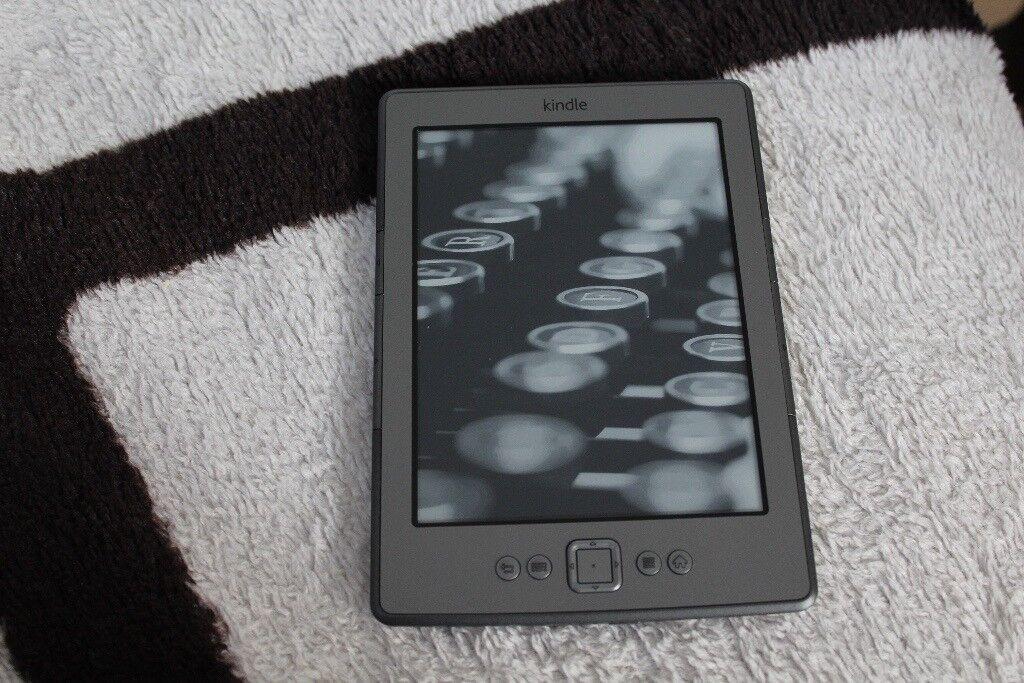 Amazon Kindle 5 5th Generation D01100 Wi-Fi 6