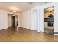 2 bedroom flat in Conifer Way, North Wembley, HA0 (2 bed) (#1125717)
