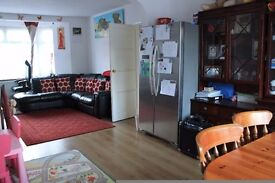 3 Bedroom House with massive garden with decking area