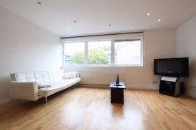 Beautiful 1 bedroom flat, excellent location and transpot links, £450 all bills included. Soho Road.