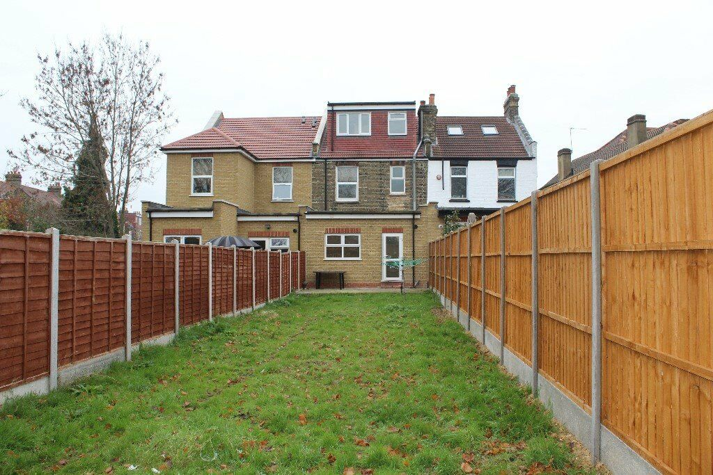 Beautiful Four Bedroom House, Two Separate Receptions, Lovely Big Garden, Fully Fitted Kitchen