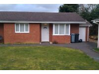1 bed bungalow 20 mins from Oxford in Carterton