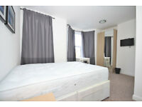 ROOM ONLY. Large room with ensuite located in East Greenwich
