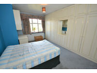 Large Double Room, Walking Distance To Northwick Park Station & University