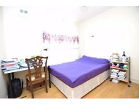Large 3 double bedroom flat share, 5-7 Mins to Aldgate Tube Station Off Bricklane! HURRY CALL NOW!!