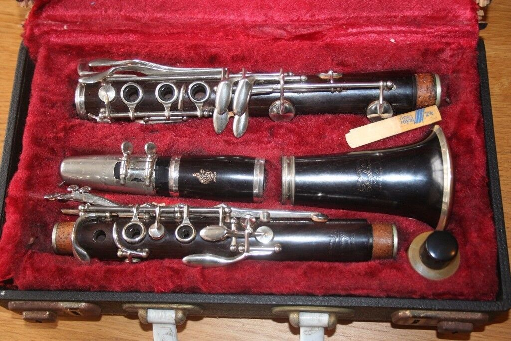 Boossey and Hawkes Marlborough wooden clarinet