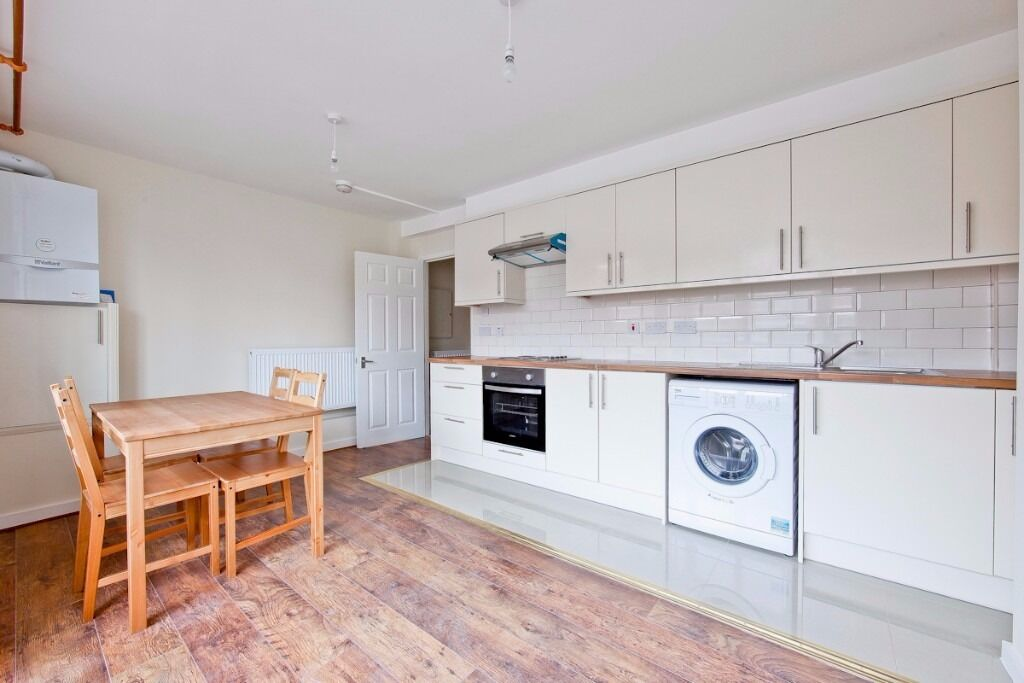 CLICK HERE 4 DOUBLE BEDROOM 2 BATH PROPERTY IN SE1 OFFERED FURNISHED IDEAL FOR SHARERS