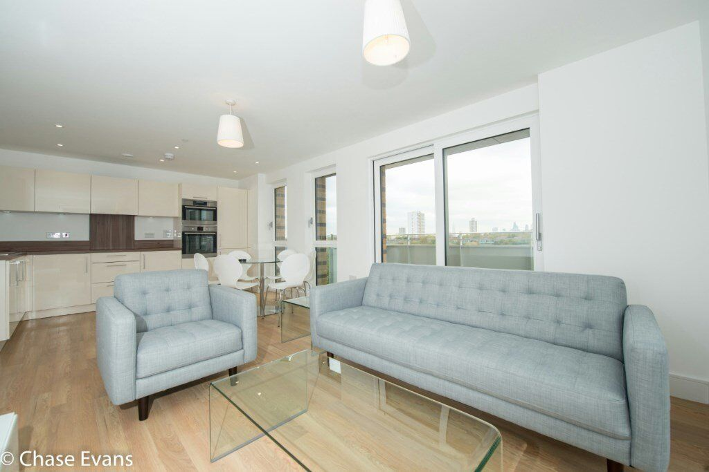 DESIGNER FURNISHED LUXURY 3 BEDROOM APARTMENT IN IVY POINT BOW E3! BROMLEY BY BOW