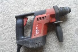 240 v Hilti Te5 drill , well used hence sell for £30 , no offers thanks.