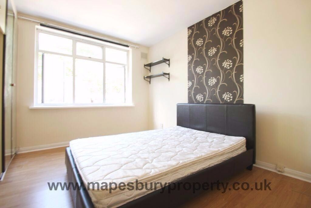Studio garden flat available. All bills + wifi included. Near Willesden Green station. NW2 zone 2.