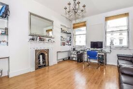 Warwick Road SW5. Spacious one bedroom apartment to rent in this beautiful period conversion.