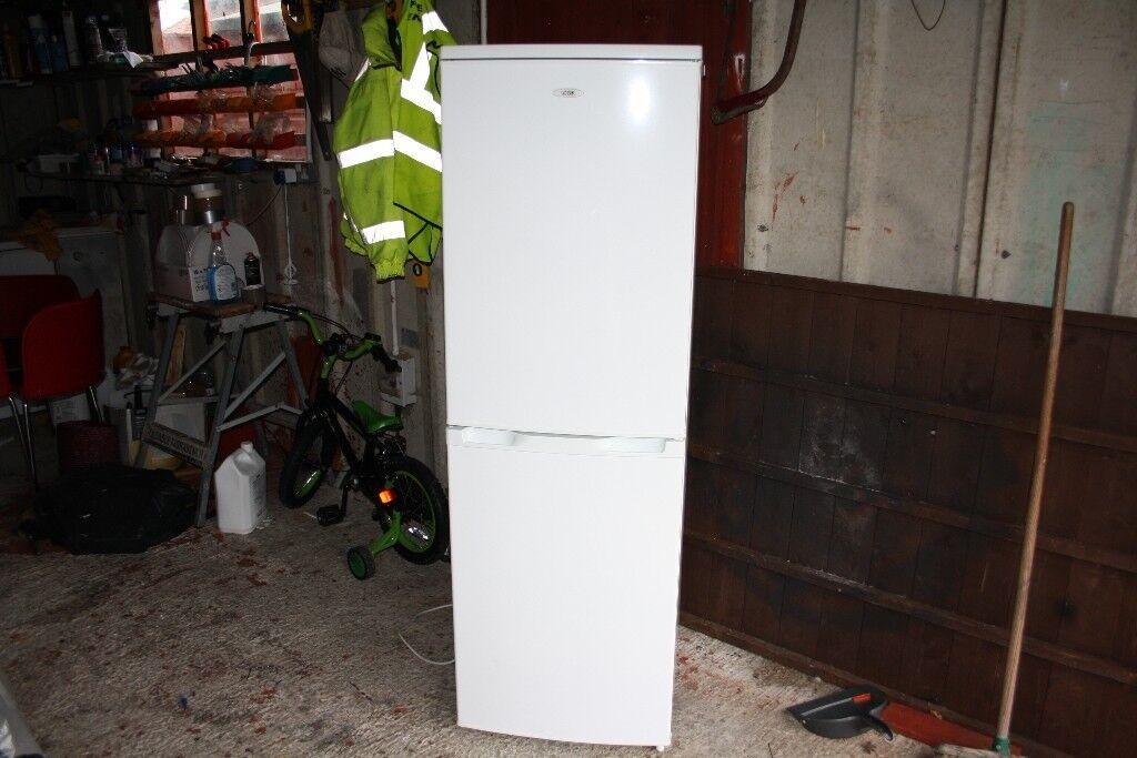 White freestanding fridge freezer