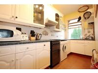 *****GREAT SIZE TWO BEDROOM FLAT***** *****WELL LOCATED***** *****GOOD TRANSPORT LINKS*****