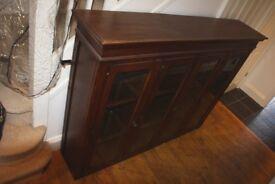 dark stained solid oak dresser (160w30d123h cm)