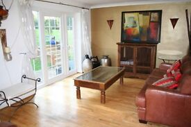 Stunning Spaciuos 2 double bedroom flat, fab kitchen, osp, 3 mins Southfields Stn