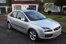 Ford Focus 1.6 Zetec Climate Auto **Very Low Mileage 35k**Full Service History**