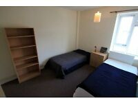 Lovely Twin Room in the heart of Camden Town, 5 min to Mornington Crescent, 39C