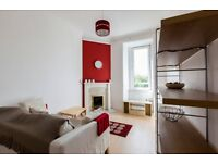 LINDSAY ROAD - Modern one bedroom property available in quiet residential street