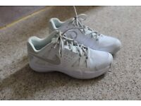 Nike women's trainers UK 6.5 EU 40.5 white