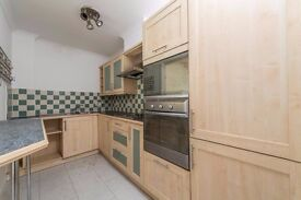 Spacious one bed in Ensign street