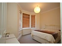 ONLY £1040 BIG ONE BEDROOM SPLIT LEVEL FLAT WITH PRIVATE GARDEN IN HENDON! CALL NOW!