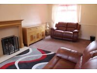 Tempting, 2 bedroom, furnished house in Gilmerton available NOW!