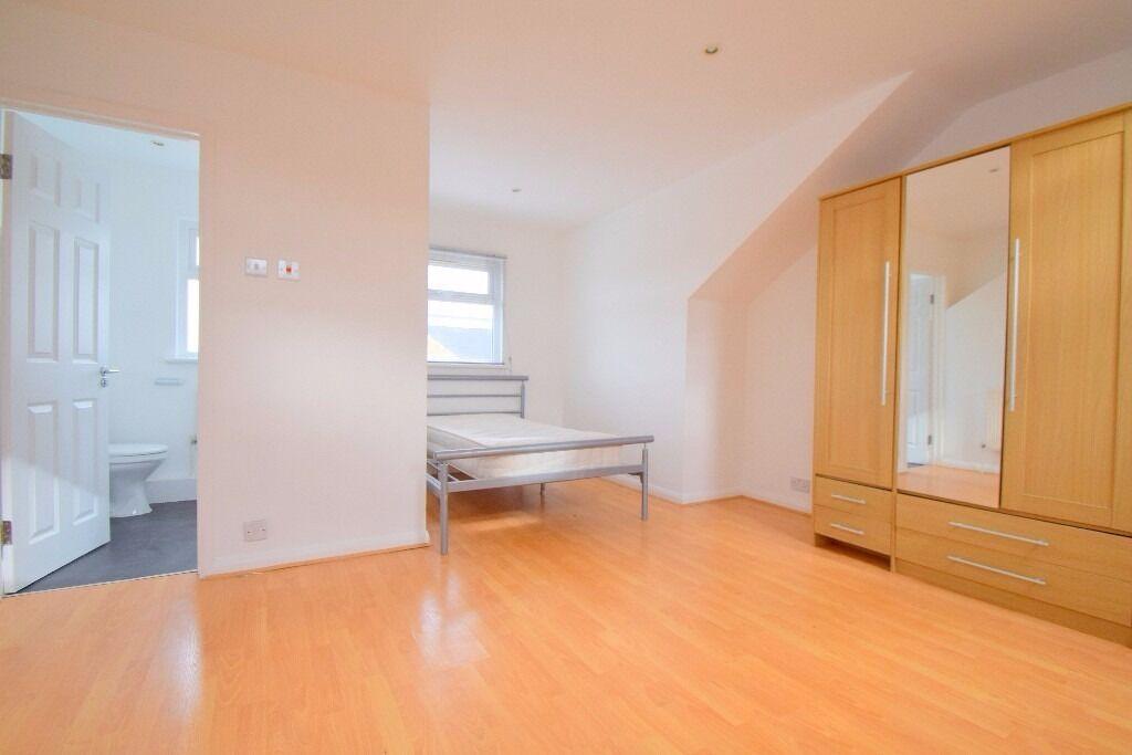 Amazing 4 bedroom House w garden - Southfields SW18