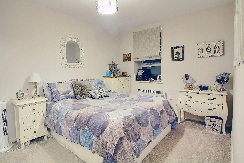 Fantastic 1 Bedroom Flat to Rent - Excellent Transport Links - Station is 2 minutes' Walk Away